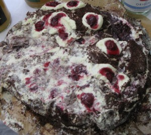 black forest cake after transport to Plänterwald. Still lecker.